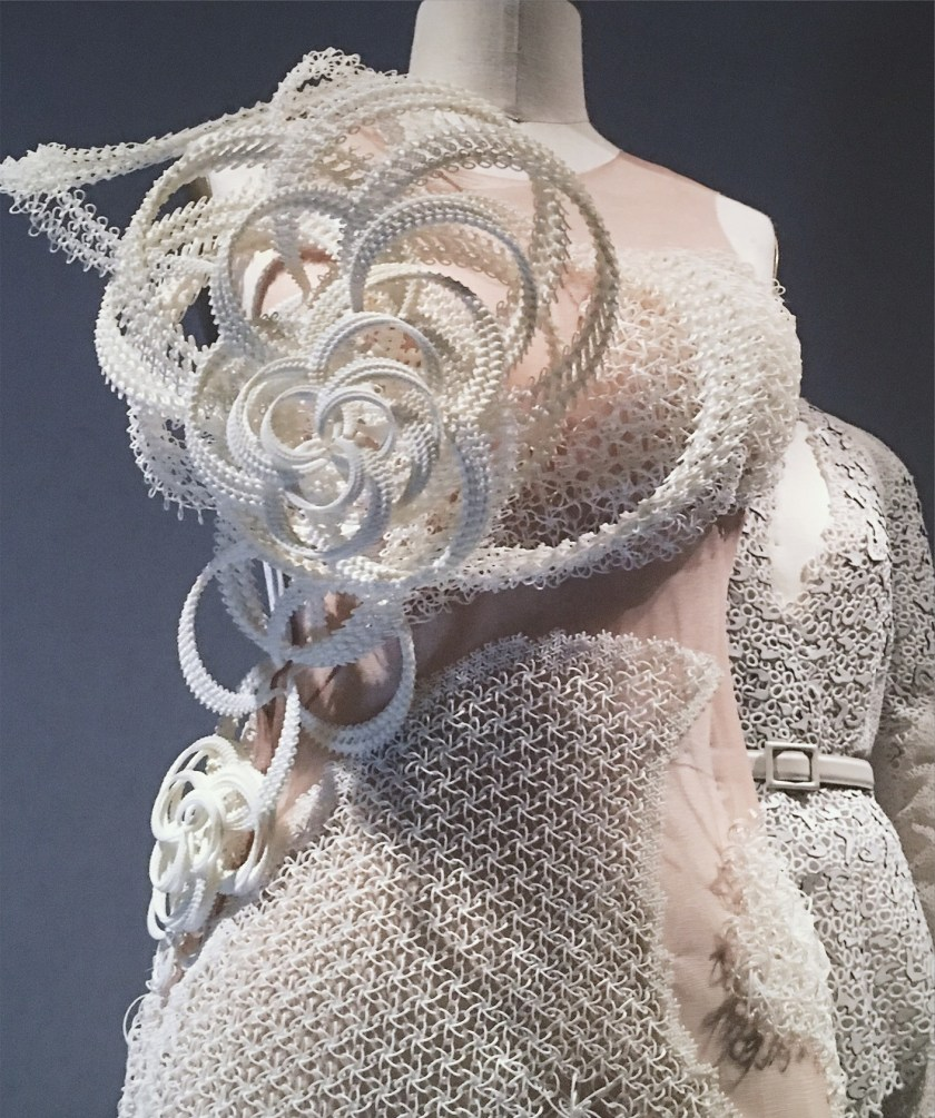 THAT CLOSER LOOK Manus X Machina at the Met by Troy Wise. Spring 2016, www.imageamplified.com, Image Amplified (29)