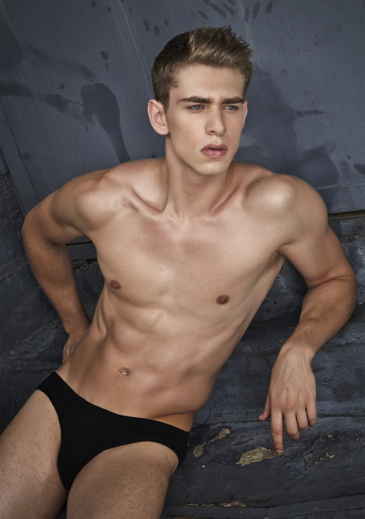 MASCULINE DOSAGE Caian Maroni by Giovanni Peschi. Summer 2016, www.imageamplified.com, Image Amplified (4)