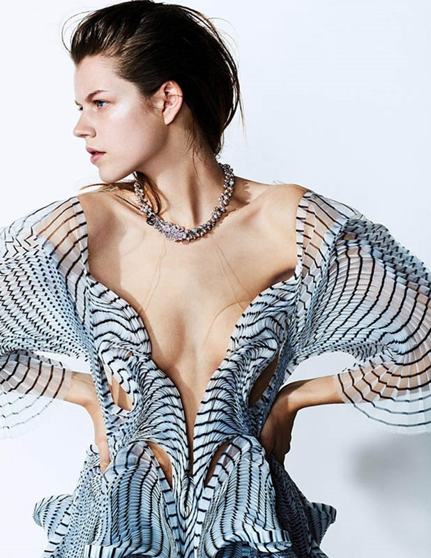 MADAME FIGARO Antonia Wesseloh by David Oldham. Sophie Michaud, August 2016, www.imageamplified.com, Image Amplified (5)