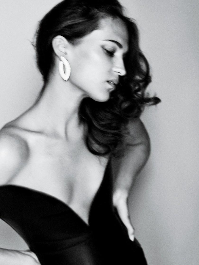 VANITY FAIR MAGAZINE Alicia Vikander by Mario Testing. Jessica Diehl, September 2016, www.imageamplified.com, Image Amplified10
