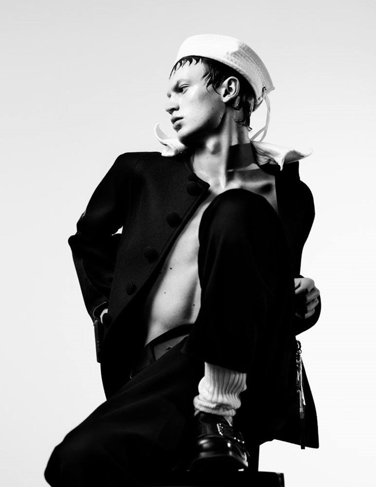 MAN ABOUT TOWN Cargo de nuit by Willy Vanderperre. Olivier Rizzo, Fall 2016, www.imageamplified.com, Image Amplified (10)