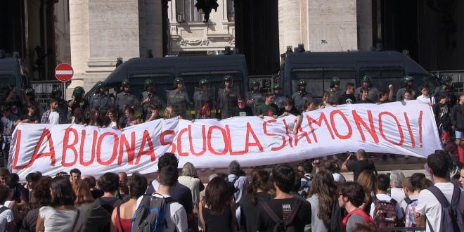 Studenti in piazza a Palermo, il corteo degli Studenti medi