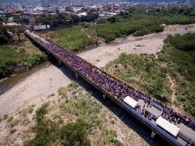 Bonos de Carnaval y del Día de los Enamorados, otro invento de Maduro