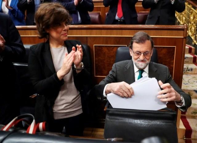 Soraya siempre mantuvo una fuerte lealtad a su formador político, Mariano Rajoy. (Reuter)