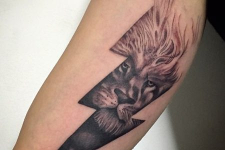 lion lightning tattoo design