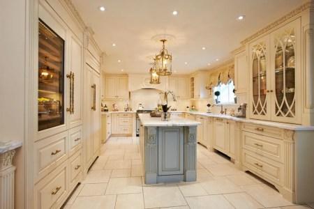 traditional luxury kitchen
