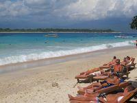 Wisata Halal di NTB, Tapi Banyak Turis Berbikini?