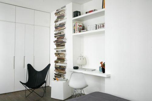 Ambiente principal donde se aprovecho un nicho en la pared como escritorio