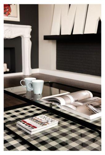 Interiores departamento en blanco y negro 3