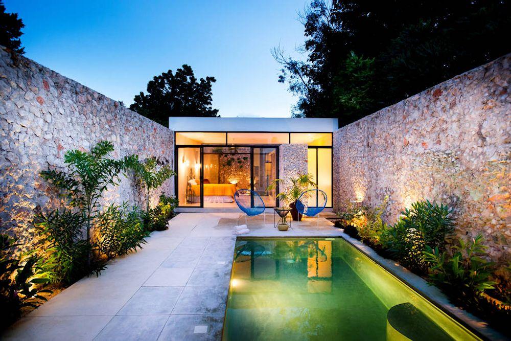 Dise o de exteriores 2 patios modernos con pileta for Piletas en espacios reducidos