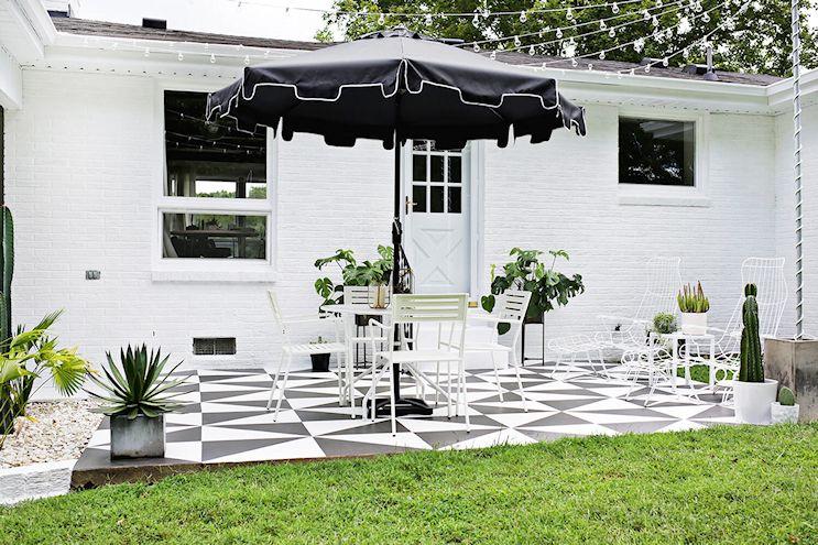 Renovar los pisos de un patio con pintura