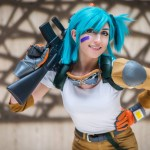 Dragon Ball Z's Bulma cosplay