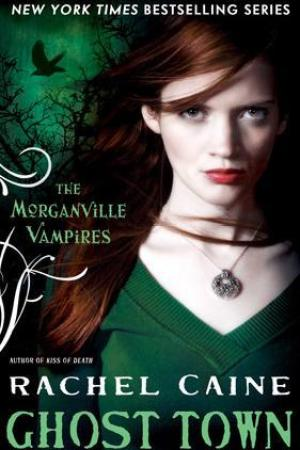 Reading books Ghost Town (The Morganville Vampires, #9)