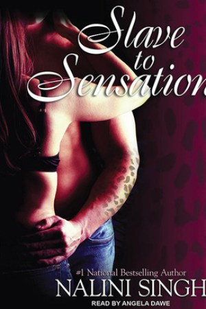 Reading books Slave to Sensation (Psy-Changeling, #1)