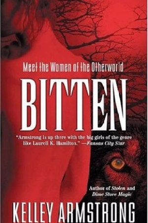 Reading books Bitten (Women of the Otherworld, #1)