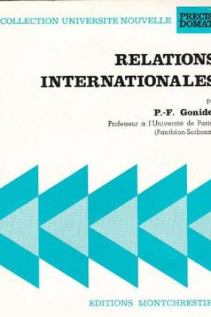 Reading books Relations internationales