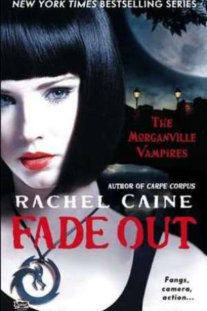 Reading books Fade Out (The Morganville Vampires, #7)