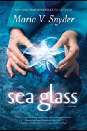 Reading books Sea Glass (Glass, #2)