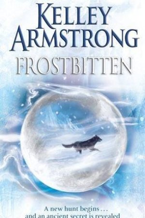 Reading books Frostbitten (Women of the Otherworld, #10)