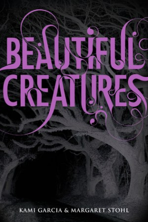 Reading books Beautiful Creatures (Caster Chronicles, #1)