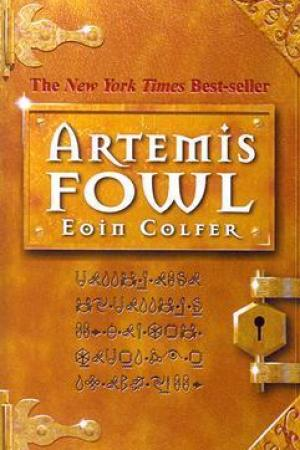 Reading books Artemis Fowl (Artemis Fowl, #1)