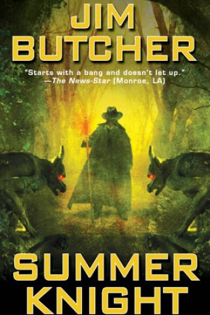 Reading books Summer Knight (The Dresden Files, #4)