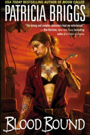 Reading books Blood Bound (Mercy Thompson, #2)