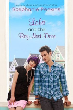 Reading books Lola and the Boy Next Door (Anna and the French Kiss, #2)