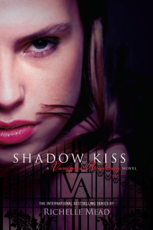 Reading books Shadow Kiss (Vampire Academy, #3)
