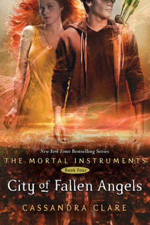 Reading books City of Fallen Angels (The Mortal Instruments, #4)