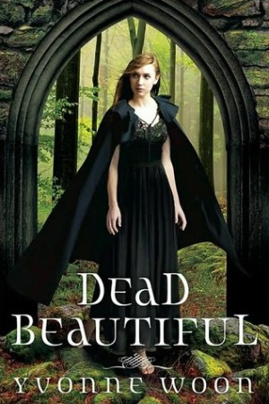 Reading books Dead Beautiful (Dead Beautiful, #1)