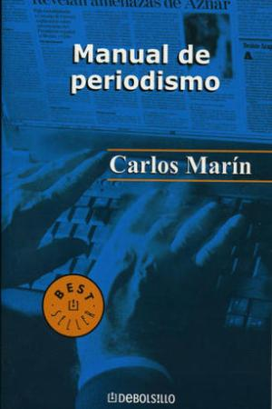 Reading books Manual De Periodismo