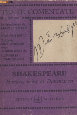 Reading books Hamlet, print al Danemarcei