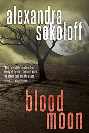 Reading books Blood Moon (The Huntress/FBI Thrillers, #2)