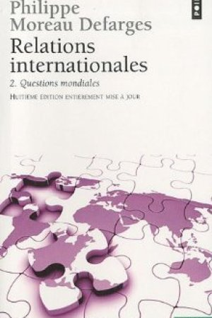 Reading books Relations Internationales 2