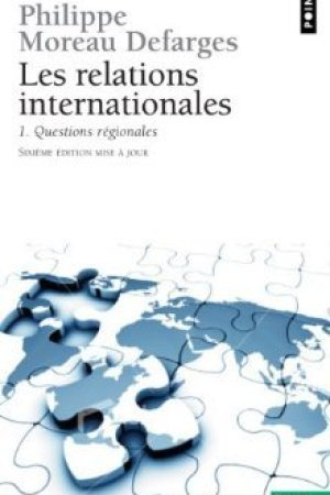 Reading books Relations Internationales 1