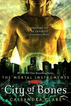Reading books City of Bones (The Mortal Instruments, #1)