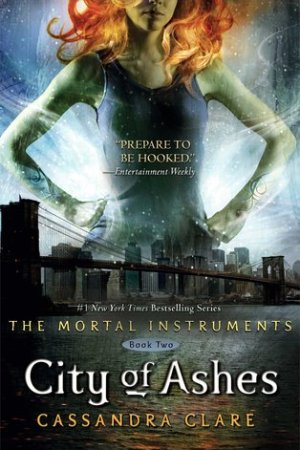 Reading books City of Ashes (The Mortal Instruments, #2)