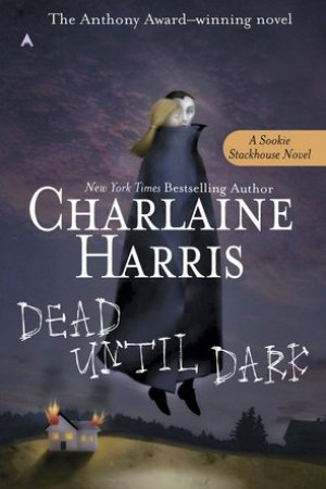 Reading books Dead Until Dark (Sookie Stackhouse, #1)