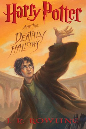 Reading books Harry Potter and the Deathly Hallows (Harry Potter, #7)