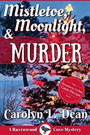 Reading books Mistletoe, Moonlight and Murder (Ravenwood Cove Cozy Mystery, #3)