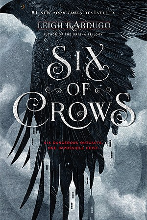 Reading books Six of Crows (Six of Crows, #1)