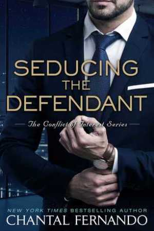 Reading books Seducing the Defendant (Conflict of Interest, #2)