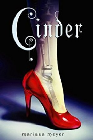 Reading books Cinder (The Lunar Chronicles, #1)