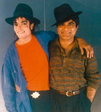 2009 06 29 picmjdeepak Dr. Deepak Chopra: Michael Jackson Suffered from Lupus and Vitiligo  Photo