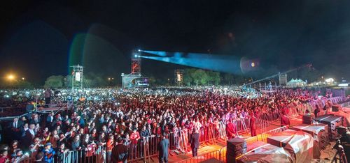 2013-06-13-RachidiLotfi_Mawazine_audience.jpeg