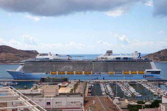 2015-11-11-1447271339-3047804-cruise3.jpg