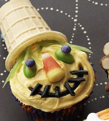 Sweet Scarecrow Cupcake