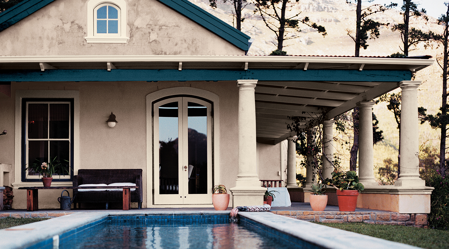 Gallant Neutrals Exterior Color Inspiration Body Paint Colors Sherwin Williams San Diego North County Sherwin Williams San Diego Jobs houzz-03 Sherwin Williams San Diego