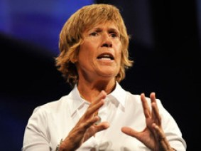 Extreme swimming with the world's most dangerous jellyfish: Diana Nyad on TED.com
